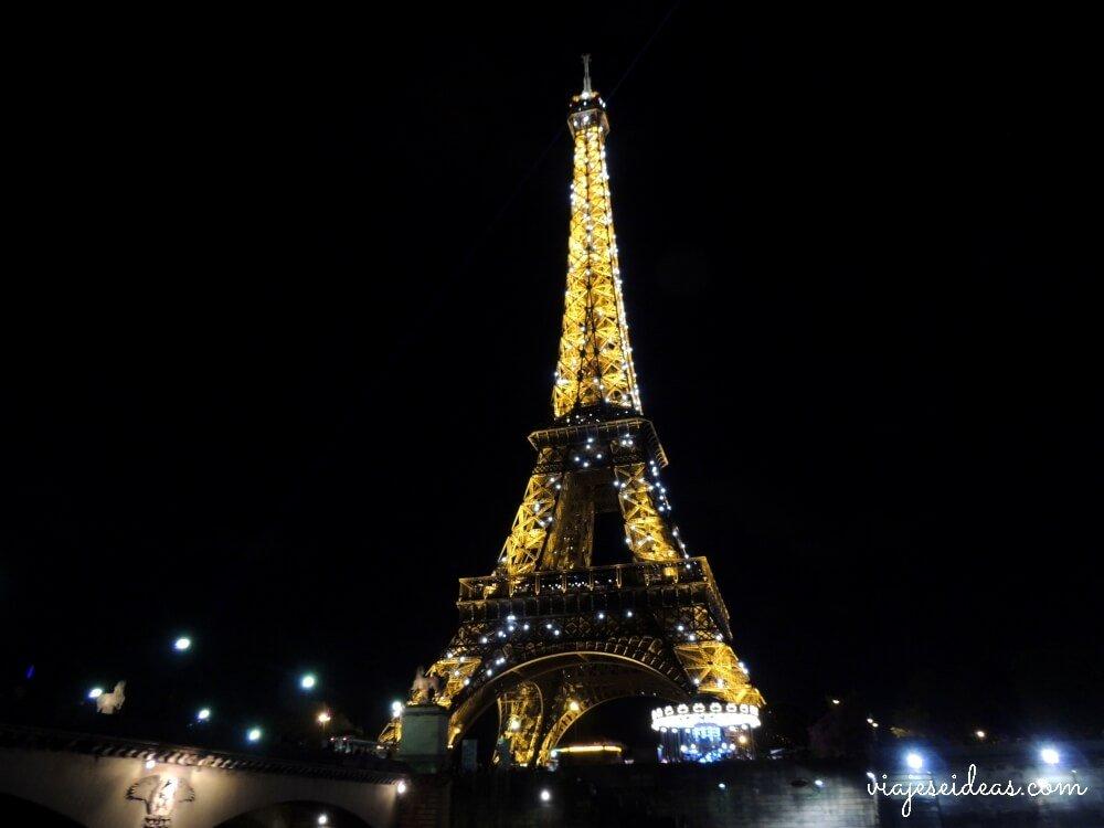 La Torre Eiffel Y Sus Vistas De París